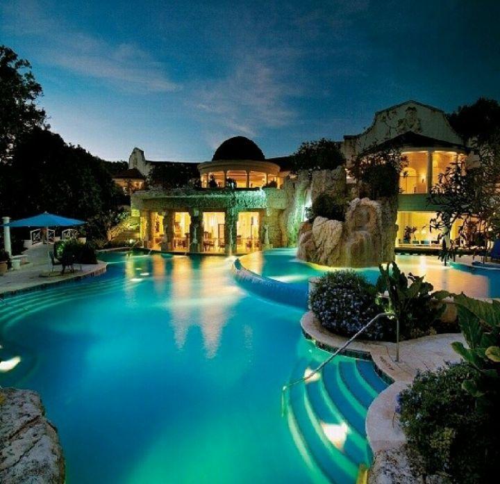 Big Nice Houses With A Pool