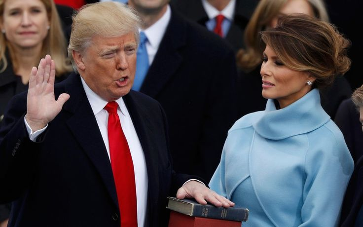 Trump presta juramento como presidente dos EUA (Foto: Lucy Nicholson/Reuters)
