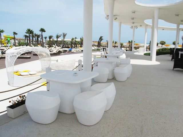 AMBURAN BEACH CLUB Bakü Azerbaycan dış mekan mobilyaları