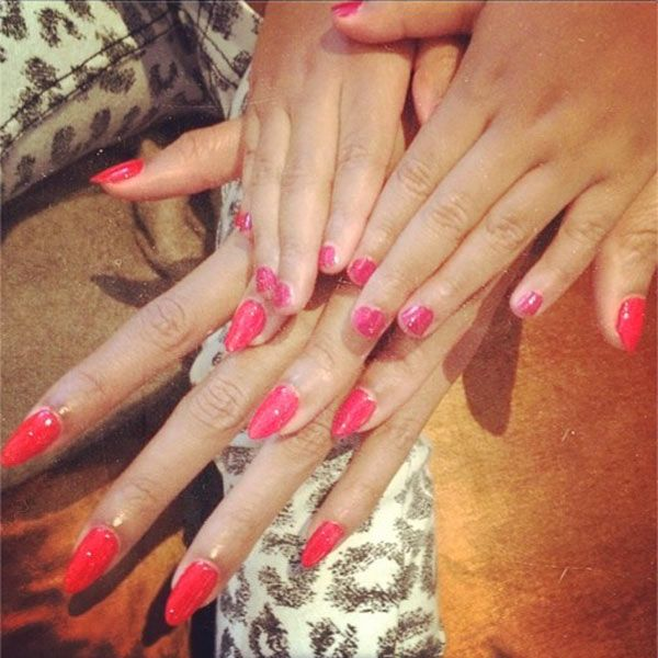 Beyonce & Daughter Blue Ivy Show Off Matching Red Manis