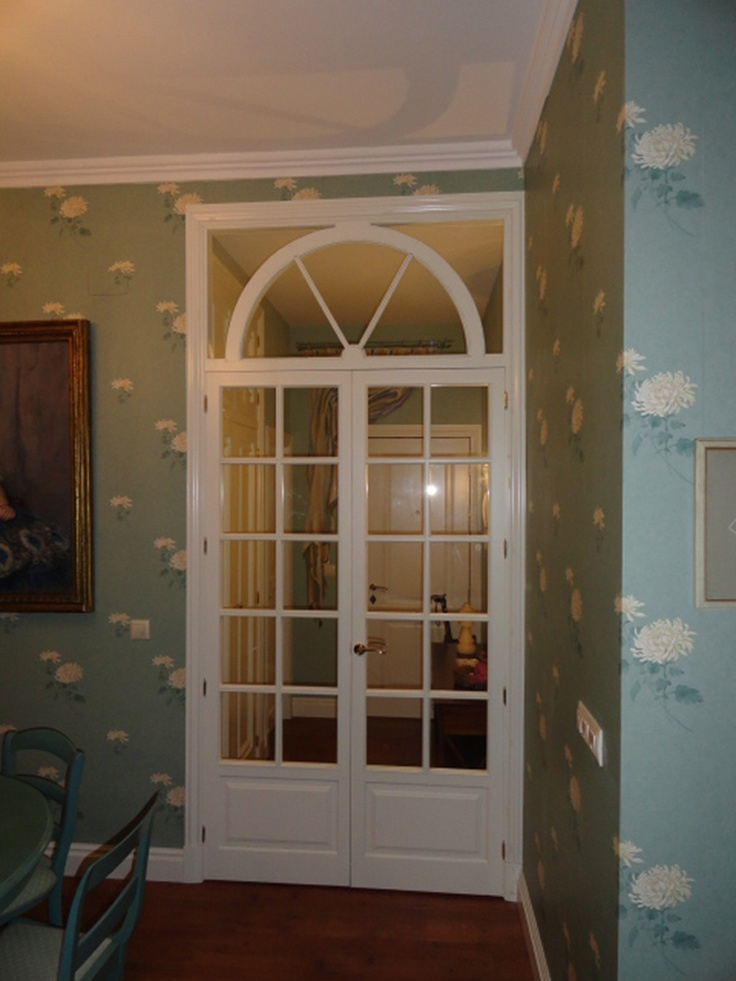 Puertas de paso en madera de pino y lacadas en blanco - Puertas de comedor ...