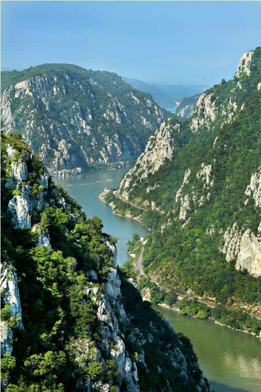 danube river crossing the carpathian mountains