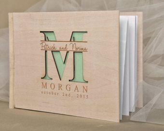 Livre d'or de mariage personnalisé de bois en par forlovepolkadots