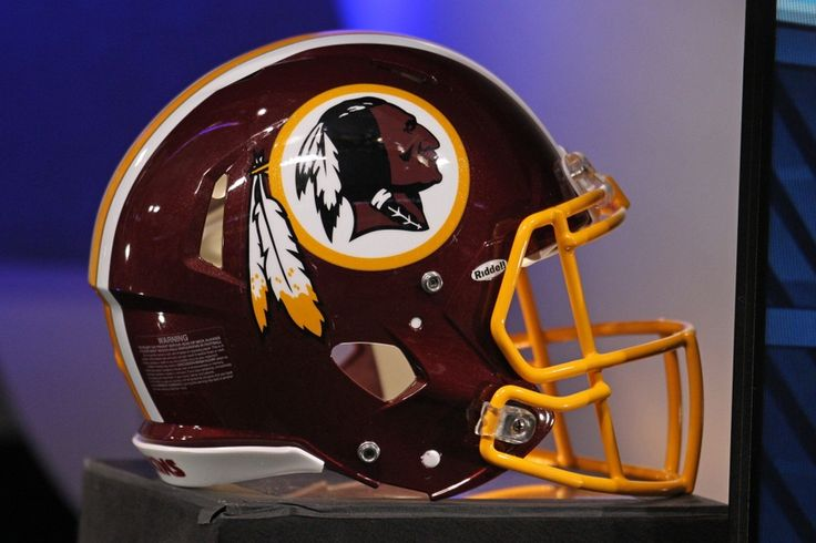 Feds give up fight against Redskins trademarks
