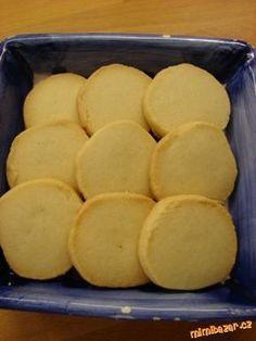 Máslové sušenky....lahodné,lepší než z obchodu-příprava jednoduchá-nakrájíte váleček:-)