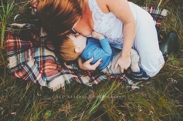 Breastfeeding portrait, natural light photography, Stony plain photographer, Bee Natural Photography. Mother and son portrait. Breastfeeding, breast feed without fear. LOVE!