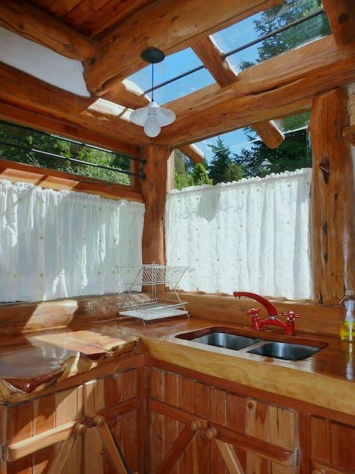 Échale un vistazo a este increíble alojamiento de Airbnb: Charming Cottage in Quiet Location - Cabañas en alquiler en San Carlos de Bariloche