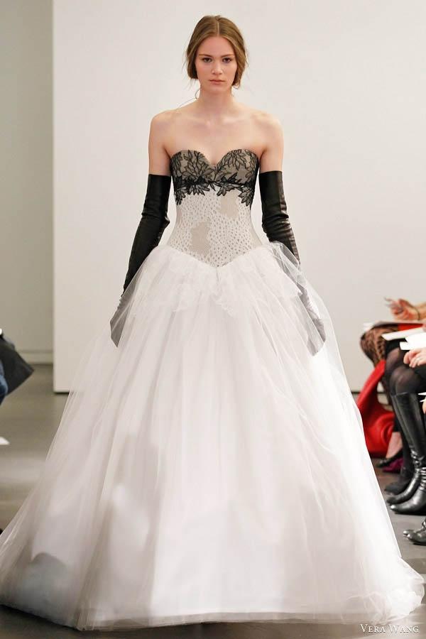221 best Brautkleider images on Pinterest   Homecoming dresses ...