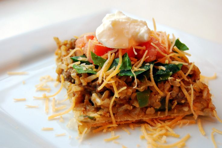 Hearty (and light!!) Taco Casserole. I must make this soon!  7 PP