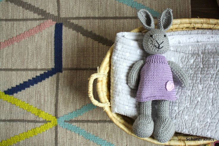 Schatzi's knits: A favorite toy, another try #knittedbunny