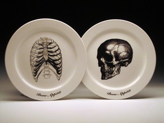 Must, must, must have. BONE APPETIT dinner plates skull skeleton