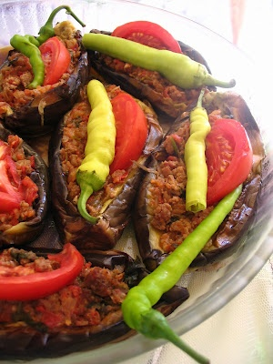 Turkish Stuffed Eggplants (Karnıyarık)