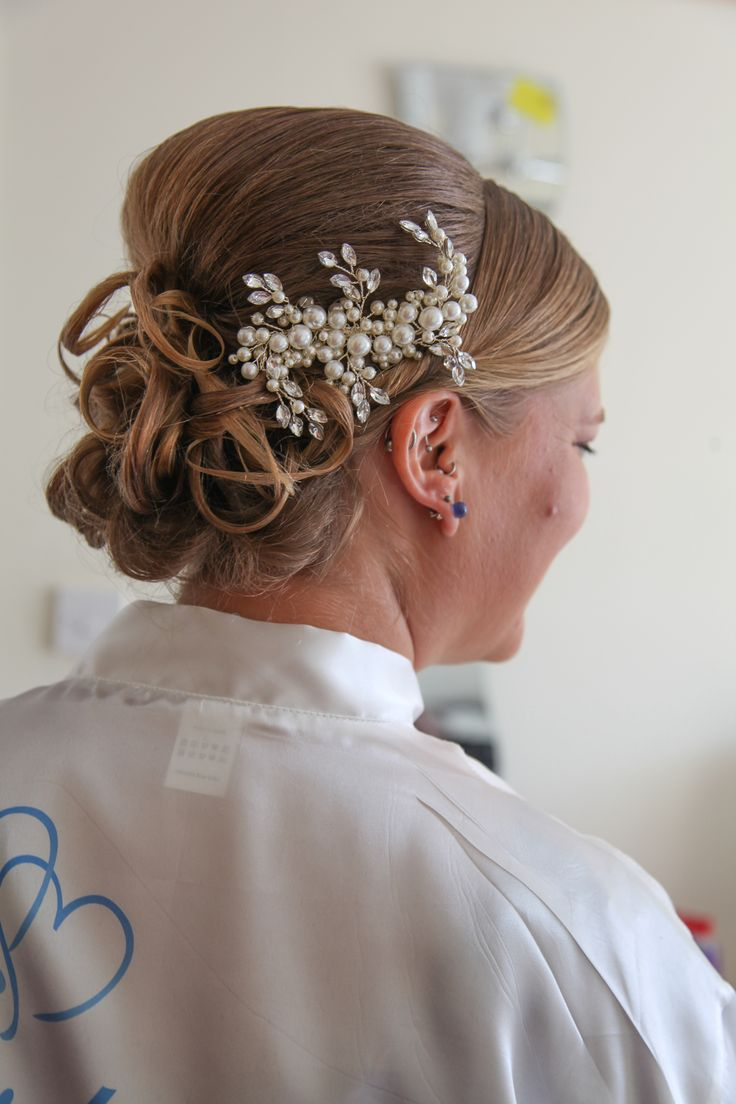 Sister in law and beautiful bridesmaid's hair  16/08/2014
