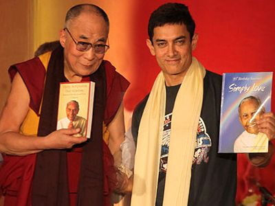 Aamir Khan-Dalai Lama shares childhood experience with each other!