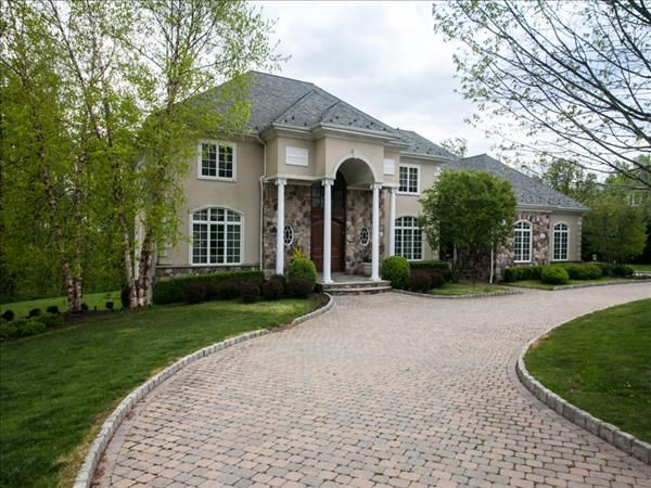 33 best circular driveway images on pinterest for Build on your lot new jersey