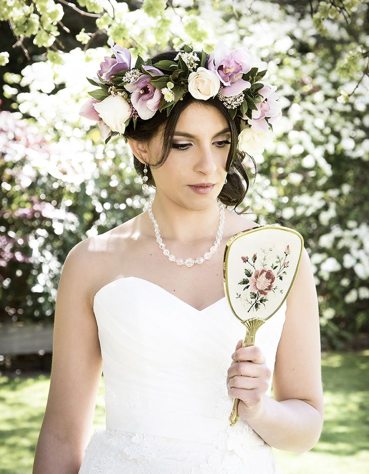 Vintage photoshoot in blossom Pic: Fluidphoto Flowers: Wanaka Wedding Flowers