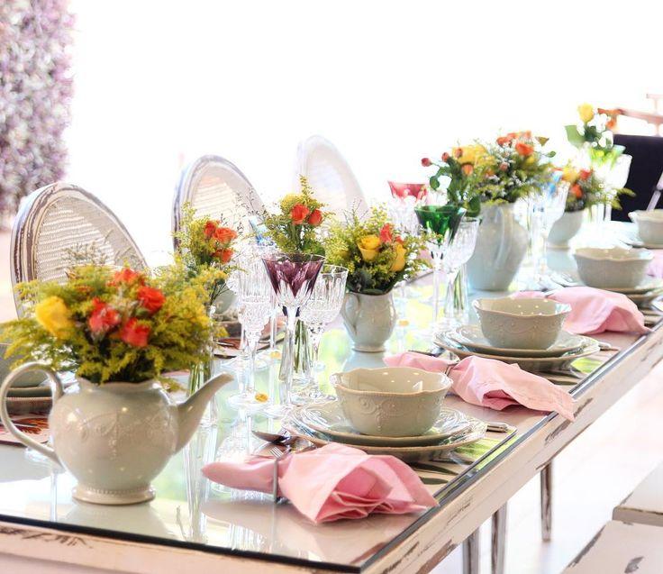 Mesa posta especial para o dia das mães! Porcelana #Lenox taças #strauss  Flores - Casarão Verde (16)3945-1585  #casaestilopresentes WA (16)98126-9495 #presentes #listadechabar #listadepresentes #listadecasamento #diadasmães #mesaposta #tableware #decor #homedecor #home #porcelanas # @mariagarciaphoto
