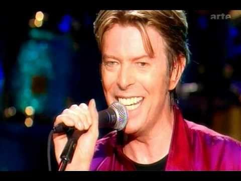 David Bowie - Ziggy Stardust (Live) - YouTube