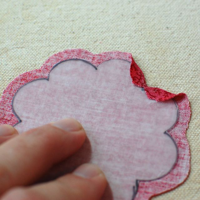 This is a needle case tutorial, but this part where she gives her method of applique is great!