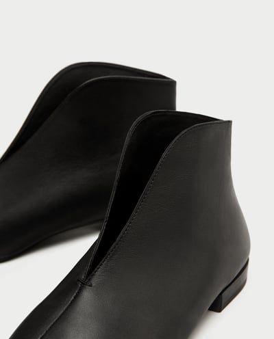 b440a02dcde6 FLACHE STIEFELETTE MIT V-AUSSCHNITT-SCHUHE-SALE-DAMEN   ZARA Deutschland    ZARA 2017 Part TWO   Boots, Zara und Flats