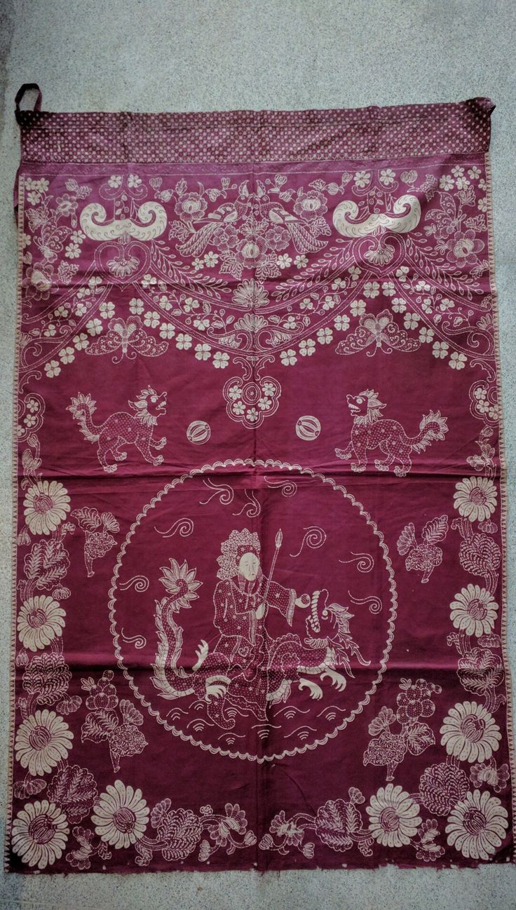 Tok Wi Chinese Indonesian altar cloth in batik tulis. At Kuluk gallery Ubud, Bali