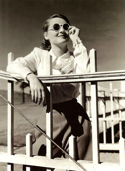 Bette DAvis 1941 pants