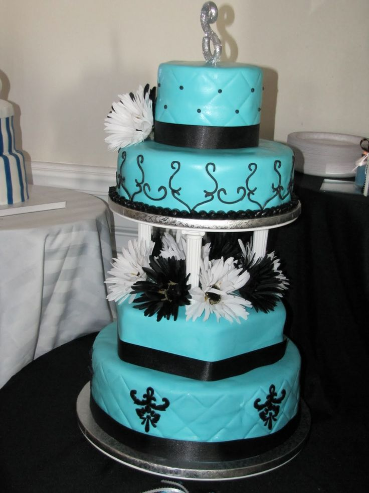 Want a blue and black wedding! Perfect cake for that