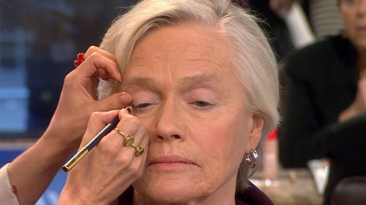"Who says age has to come before beauty?One new makeup tutorial – for senior citizens – has gotten nearly 263,000 views in two weeks. ""Glowing, Youthful Day Makeup Look for Mature Skin"" has taken off as one of the few online videos aimed at older women."