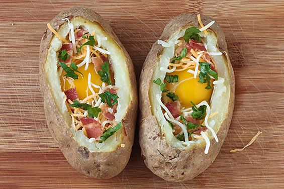 Idaho Sunrise (Baked Eggs & Bacon In Potato Bowls) Recipe | gimmesomeoven.com