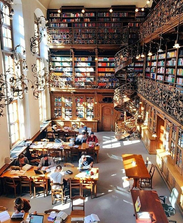 Top Travel Photos From Around The World Make Your Own Memories By Travelling Help Improve Quality Of Life Of The Country You Visi Architecture Munich Library