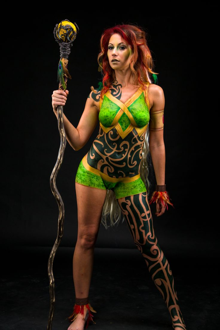 Painting body paint girl