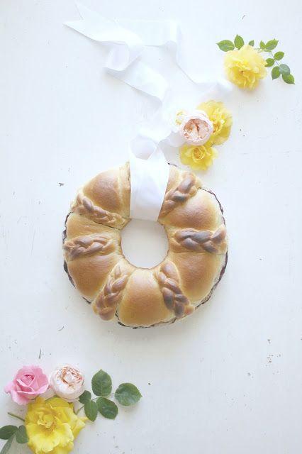 corona di pan brioche lievitato dolce cottura in pentola fornetto | .