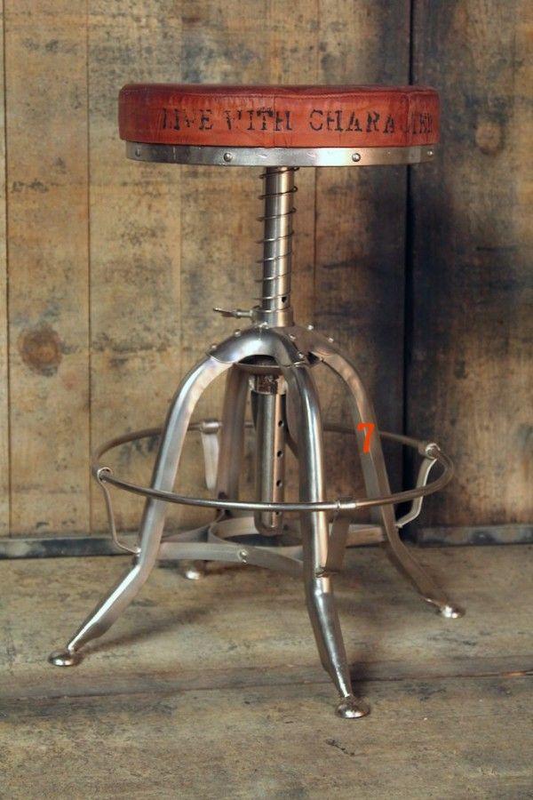 Meuble industriel: Tabouret industriel d'exception métal et cuir.