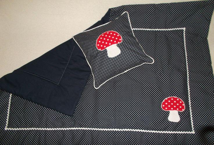 Babydecke Krabbeldecke Fliegenpilz blau Pilz  von Petits moments auf DaWanda.com