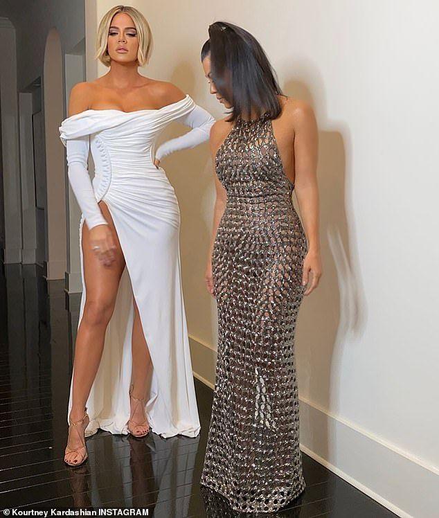 Khloe And Kourtney Kardashian Trade Playful Jabs On Social Media Fall Outfits Women Kardashian Dresses Khloe Kardashian Style