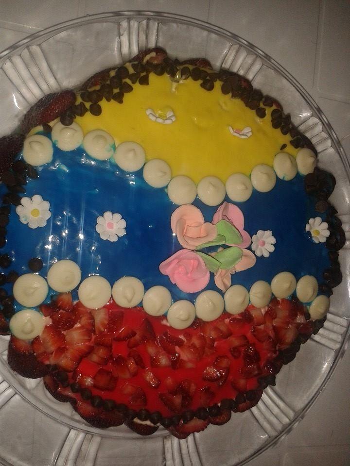 Torta Bandera Ecuatoriana