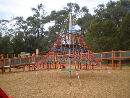 Montrose playground climbing net