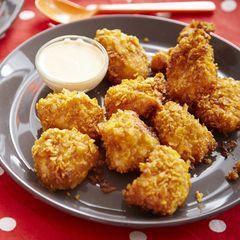 Kipnuggets uit de oven met cornflakes