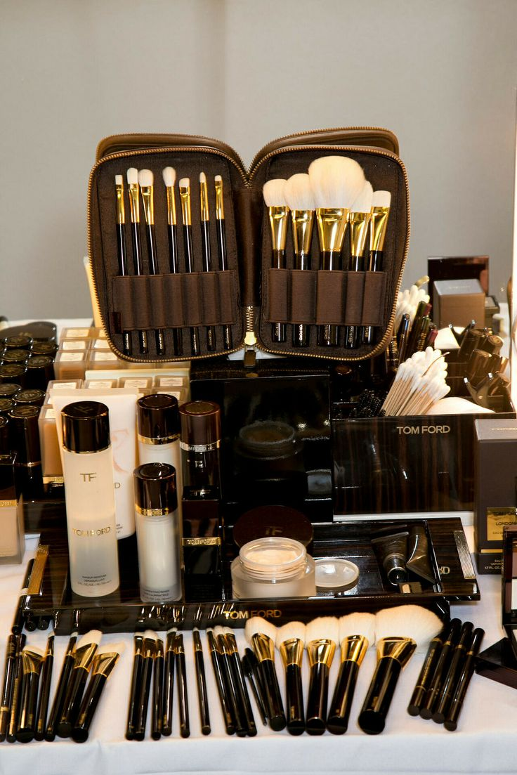 Luxury luxe living tom ford makeup kit with makeup brush
