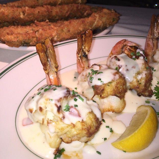 Crab Stuffed Shrimp with a side of Crispy Asparagus ‼️