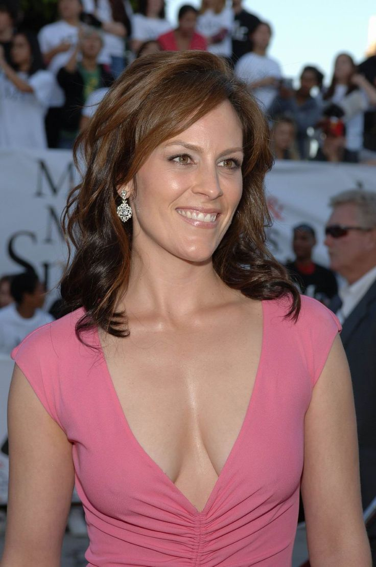 Annabeth Gish latest (996×1500) | They're People Too ...