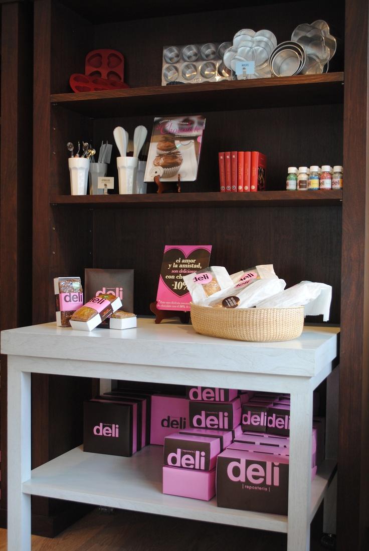 Pastelerías DELI / con el nuevo concepto de punto de venta dan ganas!!  www.aluzian.com