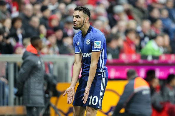 Nabil Bentaleb signs with Schalke on a 4-year contract, departing from Tottenham Hotspur. The transfer fee is speculated to be around £16m.