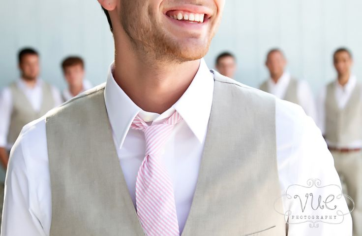 ms-bentleys-on-the-bay-wedding-cabana-blue-groom-khaki-vest-pink-and-white-tie2.jpg (820×534)