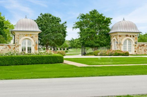Best 25 french mansion ideas on pinterest luxury homes for French countryside real estate