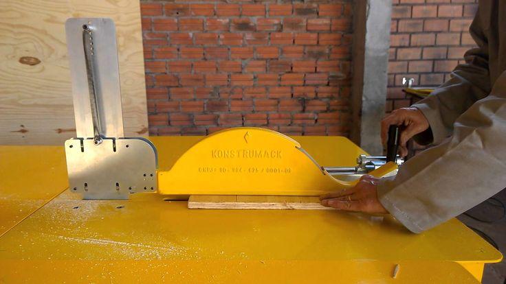 A Proteção Auto-ajustável para Serra Konstrumack foi desenvolvida com o intuito de proteger contra eventuais acidentes de trabalho, mantendo a lâmina da serr...