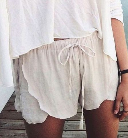 scallop shorts || @kyliieee