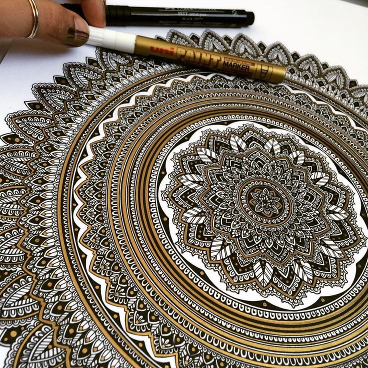 """""""Last one of today's piece. Material used UniPaint GOLD 0.8mm extra fine marker and #FaberCastell XS,S and F fine liners. #mandala // #murderandrose •…"""""""