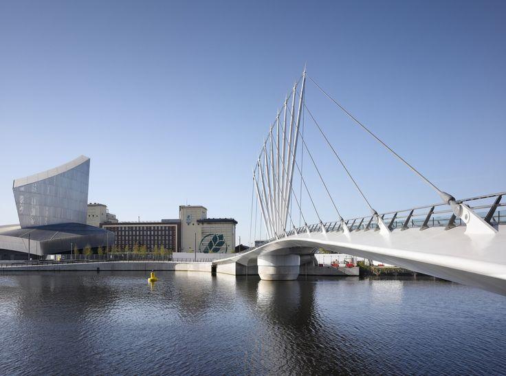 Media City Footbridge / WilkinsonEyre