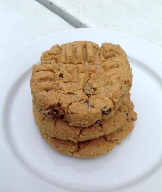 maya*made: peanut butter chocolate chip cookies - super easy and quick ...